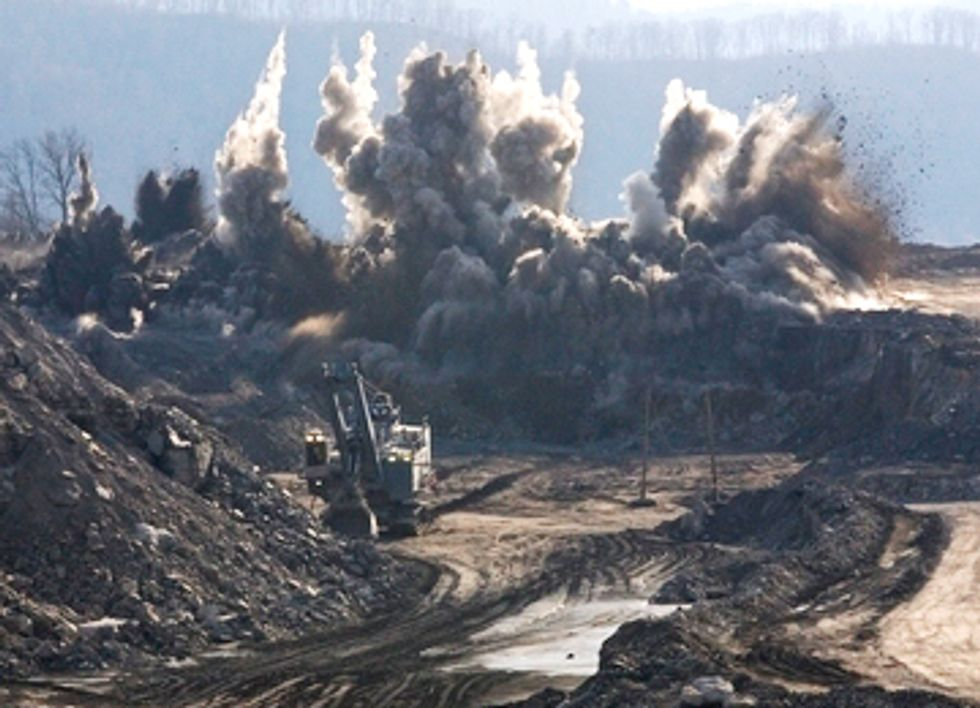 Precedent Setting Lawsuit Challenges Taxpayer Financing of Coal Exports