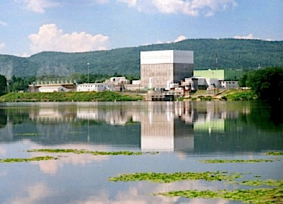 Another No Nuke Victory: Vermont Yankee Nuclear Plant to Close in 2014