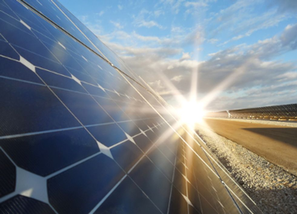5 Reasons Solar is Beating Fossil Fuels