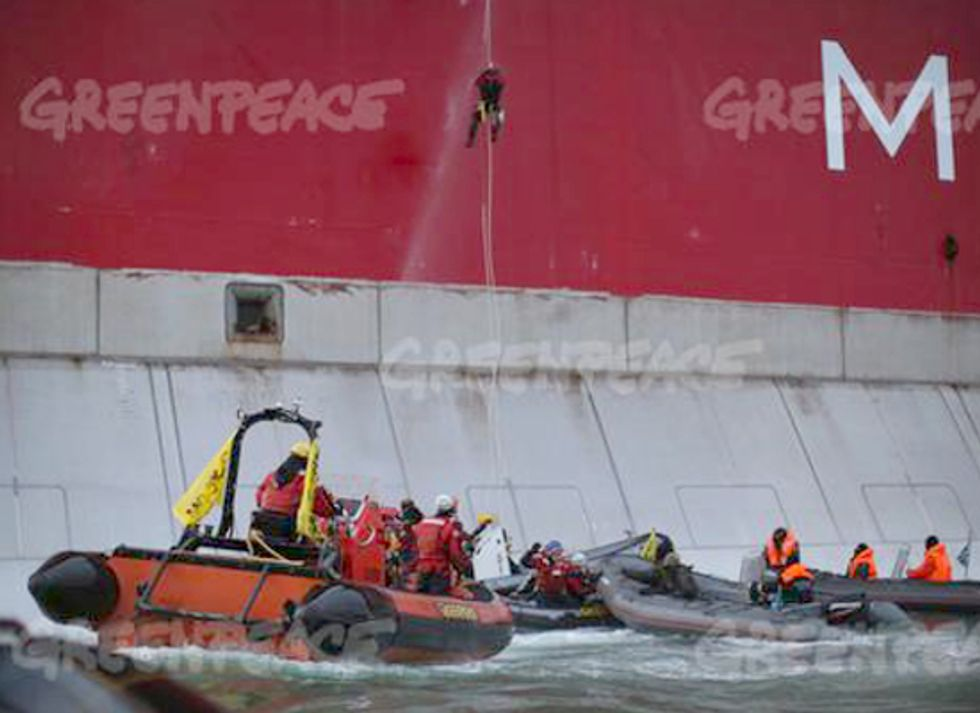 Two Arrested During Arctic Drilling Protest After Scaling Oil Platform