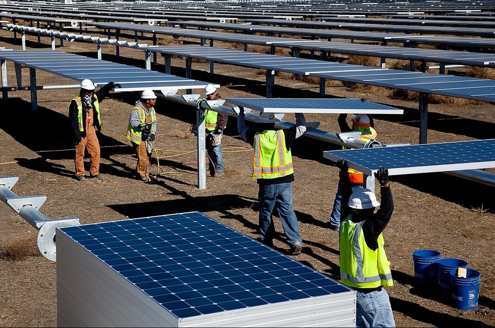 Top Companies Invested in Solar Energy Projects