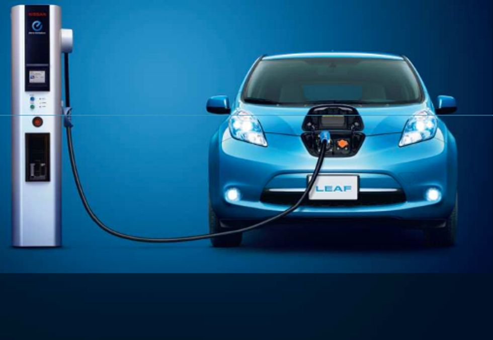 Nissan Offers $15,000 to Businesses That Install EV Charging Stations Before 2014