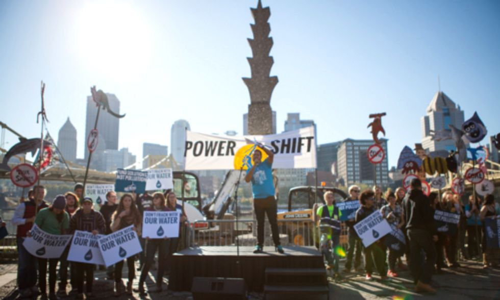 2500+ Youth Rally in Pittsburgh for a Green Economy