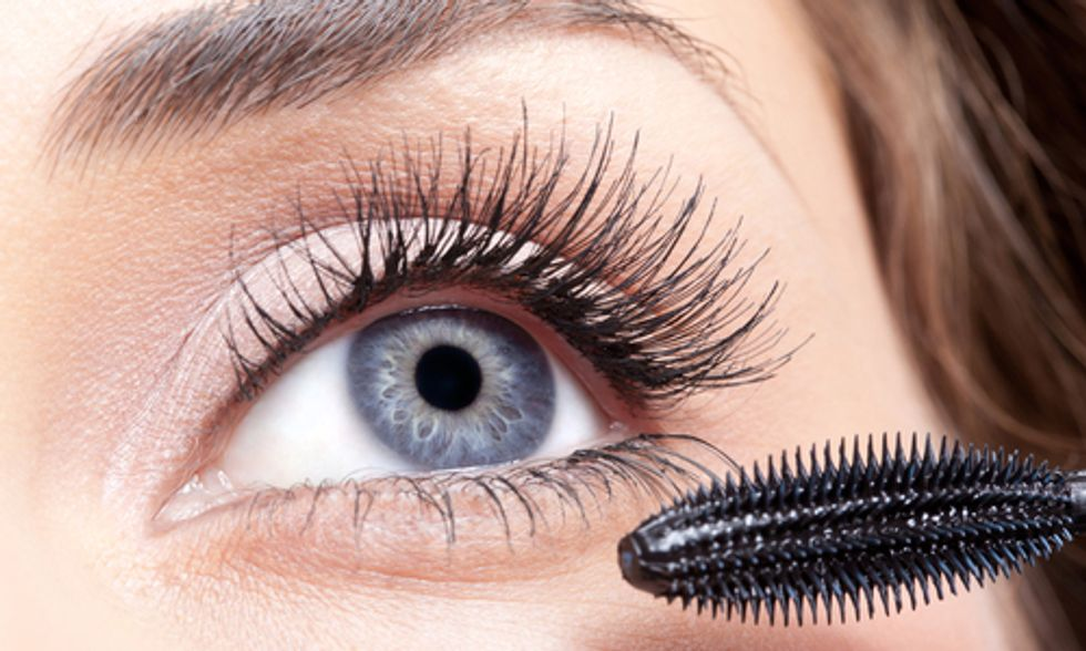 Global Ban on Mercury Exempts Mascara and Eye Makeup