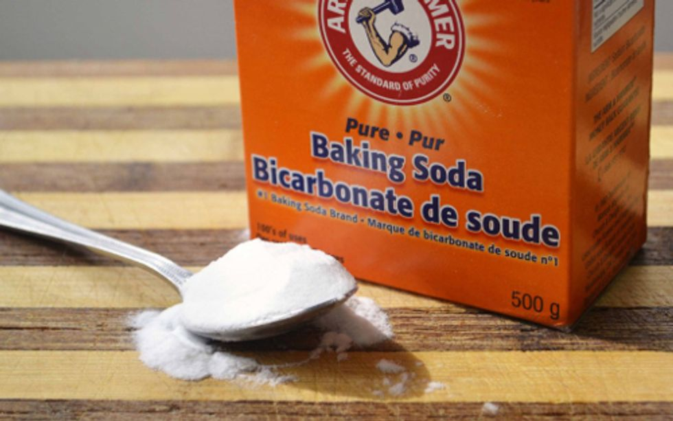16 Eco-Friendly Ways to Clean With Baking Soda