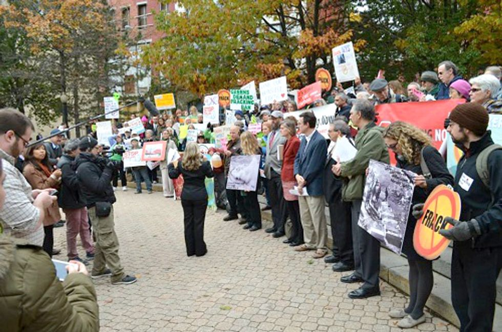 New Yorkers Rally Against Fracking Infrastructure and Flawed LNG Regulations