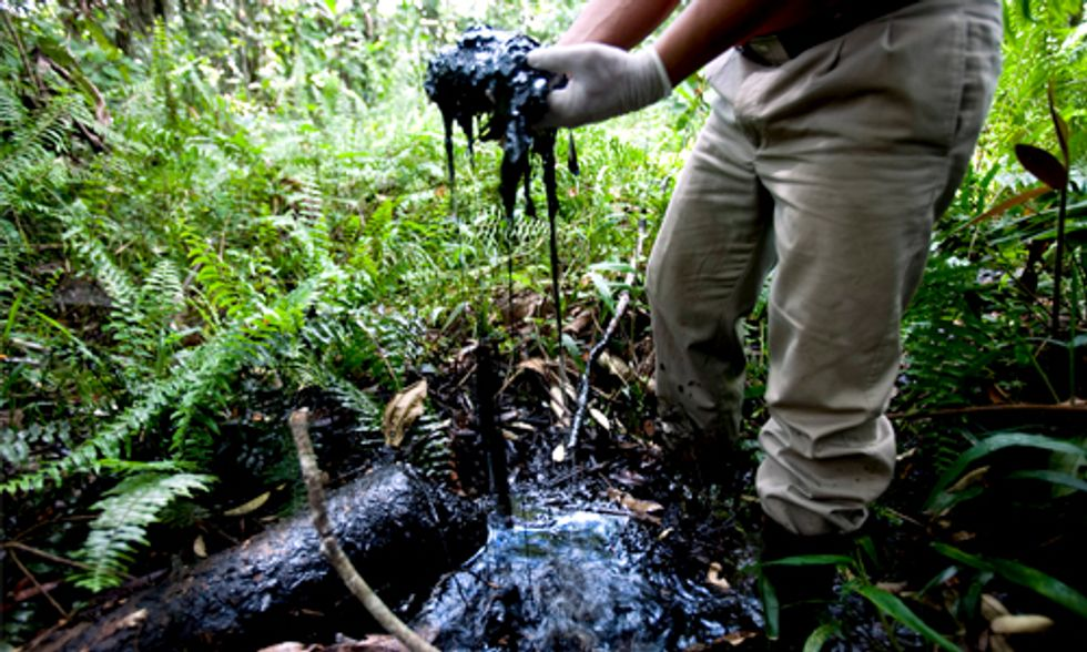 Ecuadorians Fight for Justice in Landmark Chevron Trial, Danny Glover Visits Contaminated Rainforest in Support