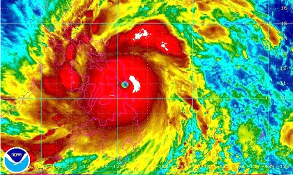 Philippines Negotiator Ties Massive Typhoon to Global Warming and Pledges Hunger Strike at Warsaw Climate Talks