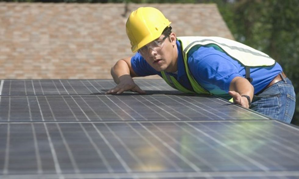 4 Ways to Lower Cost of Going Solar
