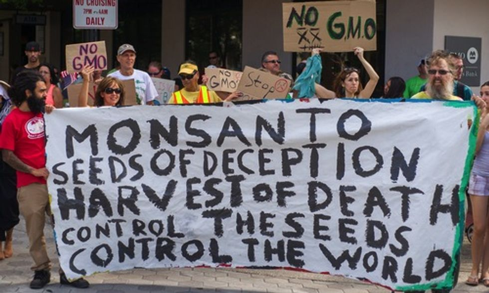 Gaining Ground on Fight to Label Genetically Engineered Foods