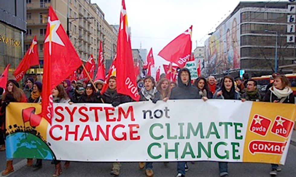 Thousands Protest Outside UN Climate Talks in Warsaw Demanding Climate Action