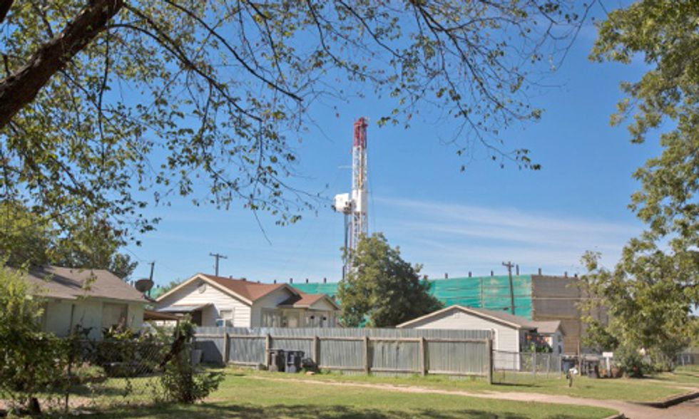 Fracking Bonanza Threatens Texas Suburbs