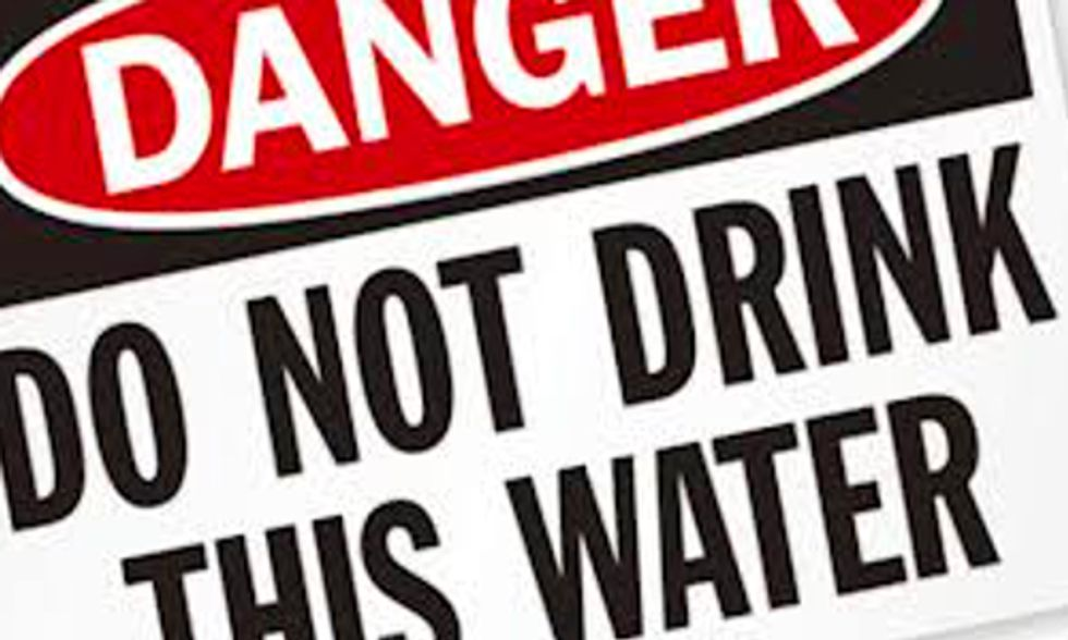 Coal Chemical Spill Contaminates Drinking Water Prompting State of Emergency in West Virginia