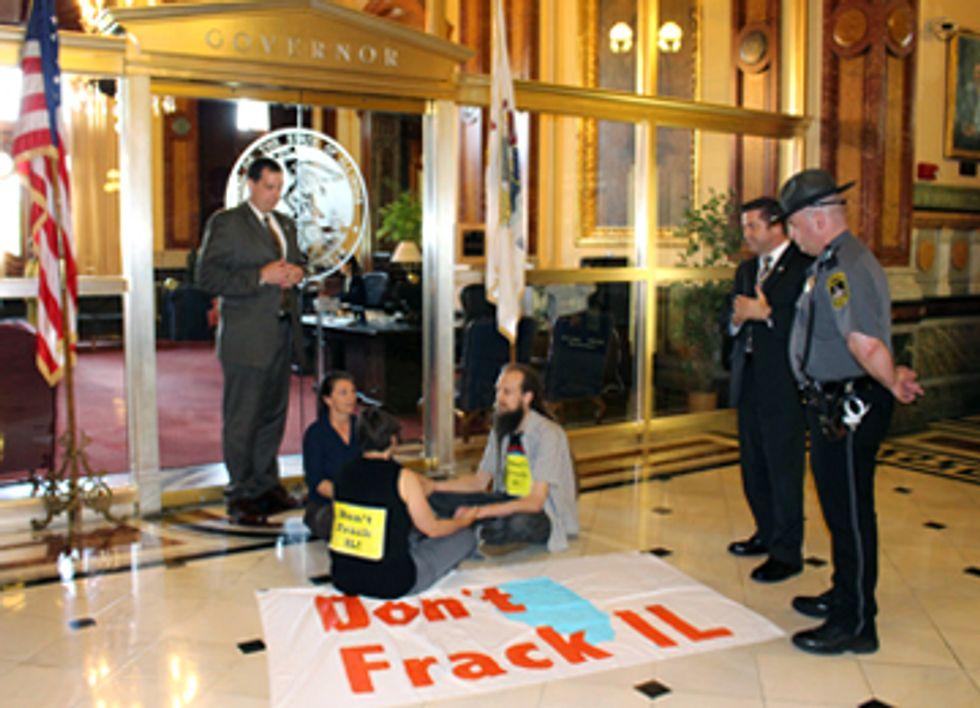 Concerned Citizens of Illinois Protest Fracking Regulation Bill