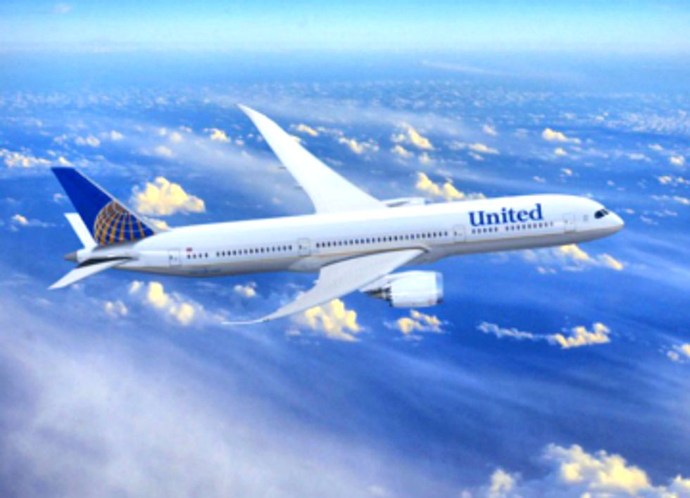 Customers Call Out United Airlines Over Climate Greenwashing