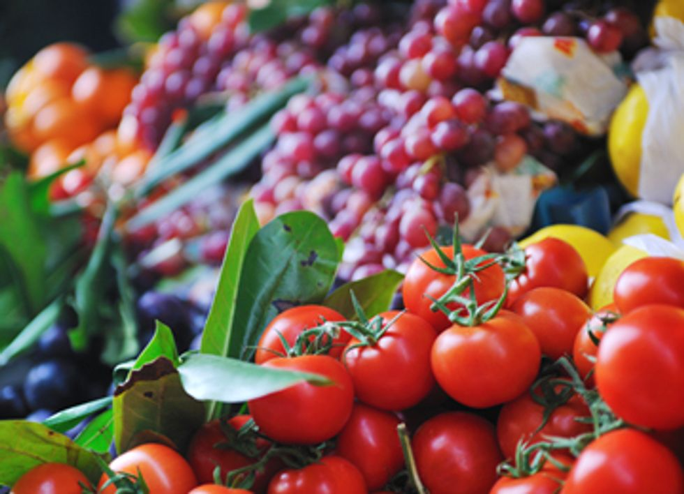The Friends and Foes of Organic Food