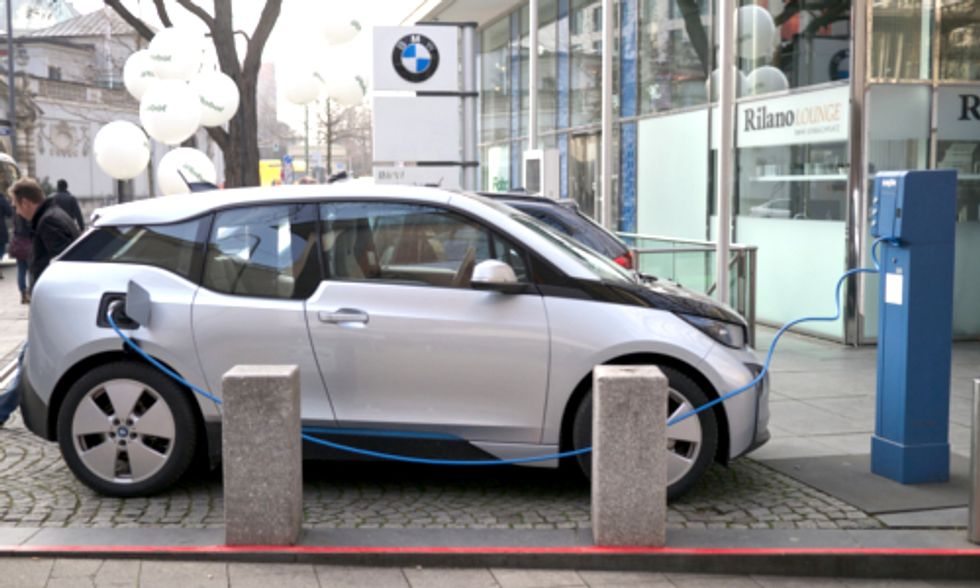 3 Challenges to Overcome to Grow the EV Market