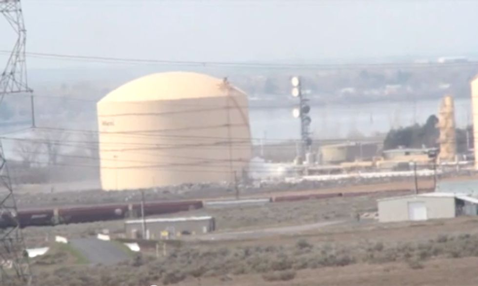 Large LNG Explosion Displaces Hundreds in Washington