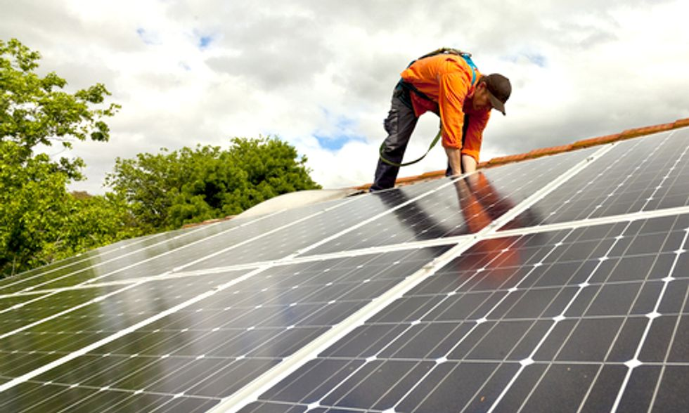 10 Incentives Congress Must Renew to Ensure a Clean Energy Future