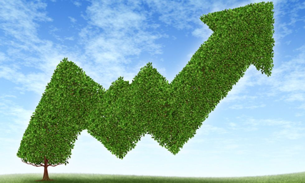 How Green Investing Improves the Environment and Your Pocketbook