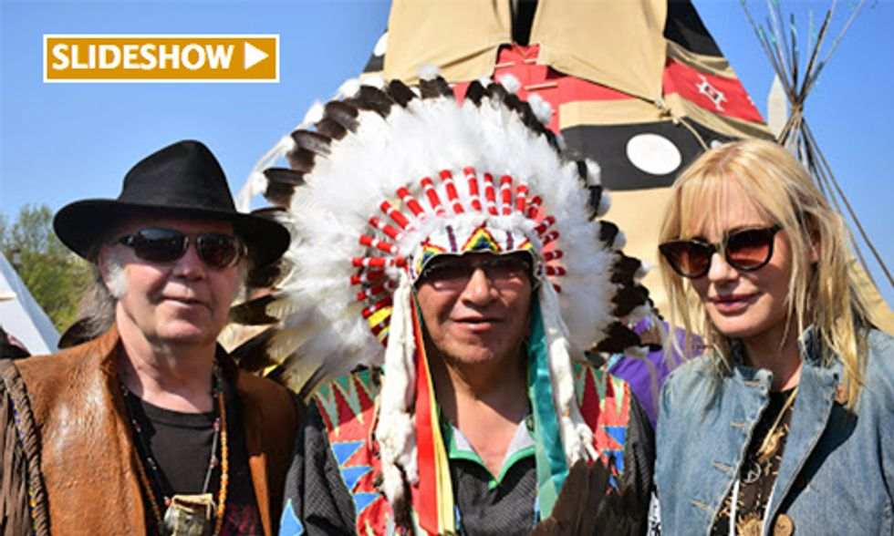 Thousands March at 'Reject and Protect' Protesting Keystone XL Pipeline