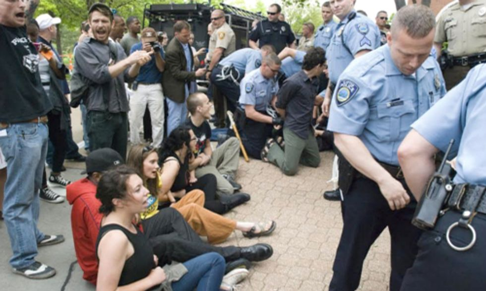 11 Arrested at Peabody Coal's Annual Shareholder Meeting in Missouri