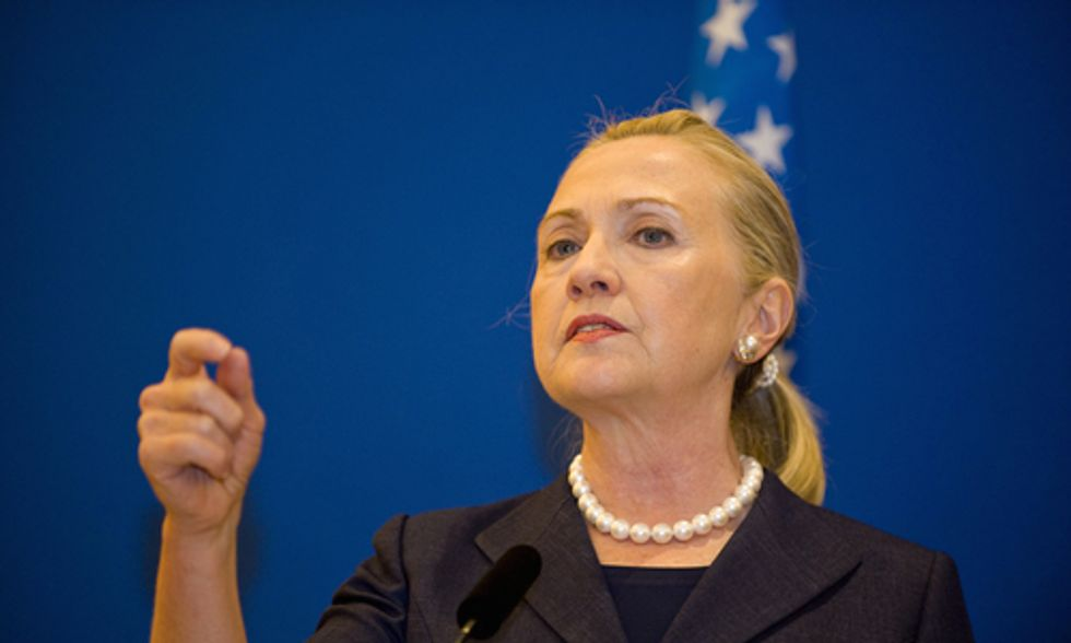 30 Environmental Groups Urge Hillary Clinton to Take a Stand Against Keystone XL