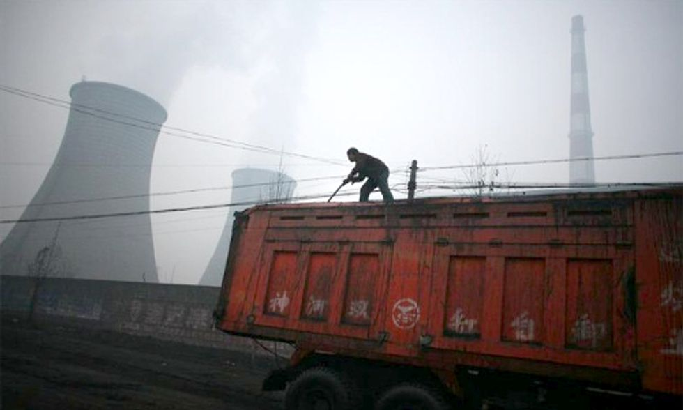 Adviser Says China to Follow U.S. With Carbon Emissions Limit, Then Downplays Statement