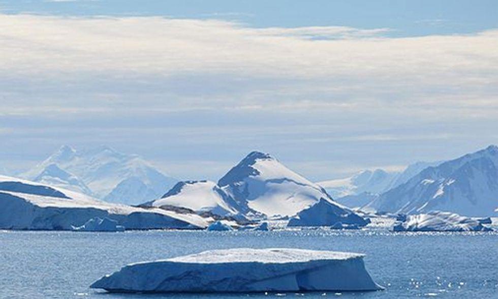 Drifting Icebergs Cause Rapid Decline in Antarctica's Biodiversity