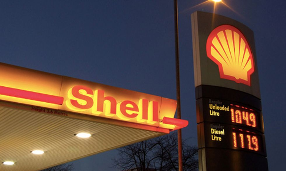 Shell Accused of 'Orwellian Doublethink' in Downplaying Climate Risks to Investors