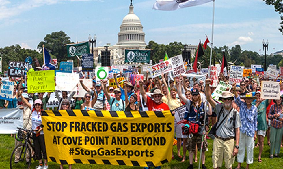 1,000+ March in DC Demanding a Halt to Fracked Gas Exports
