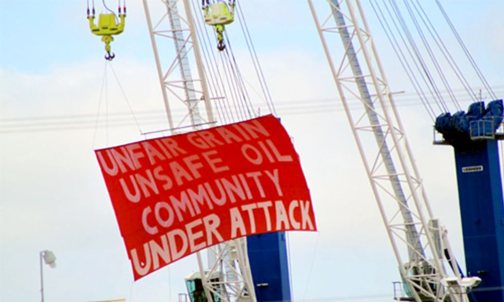 Dockworkers Protest Crude-By-Rail Terminal and Unfair Labor Practices