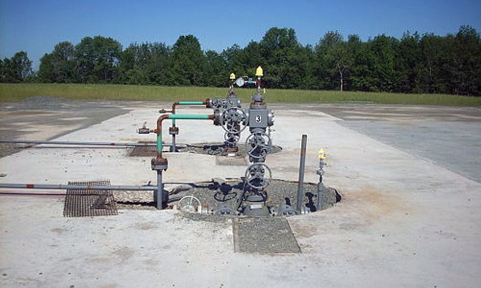 Study Finds 8 Fracking Chemicals Toxic to Humans