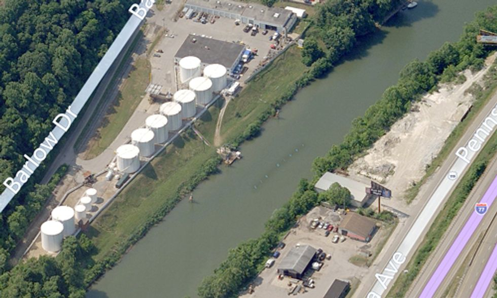 300,000 West Virginians Told Not to Drink Water After Coal Chemical Spill, 600+ Sick