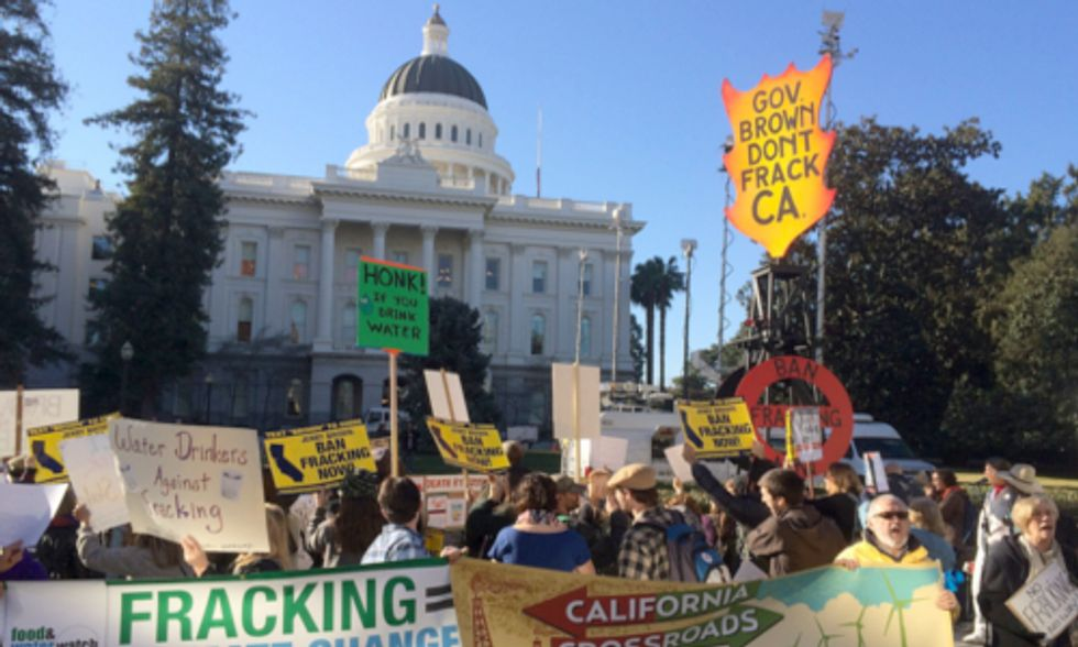 Amidst Mega-Drought Hundreds Urge Gov. Brown to Ban Fracking at State of the State Address