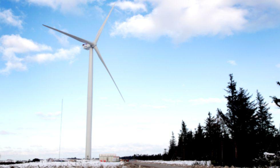 World's Most Powerful Wind Turbine Swings Into Gear