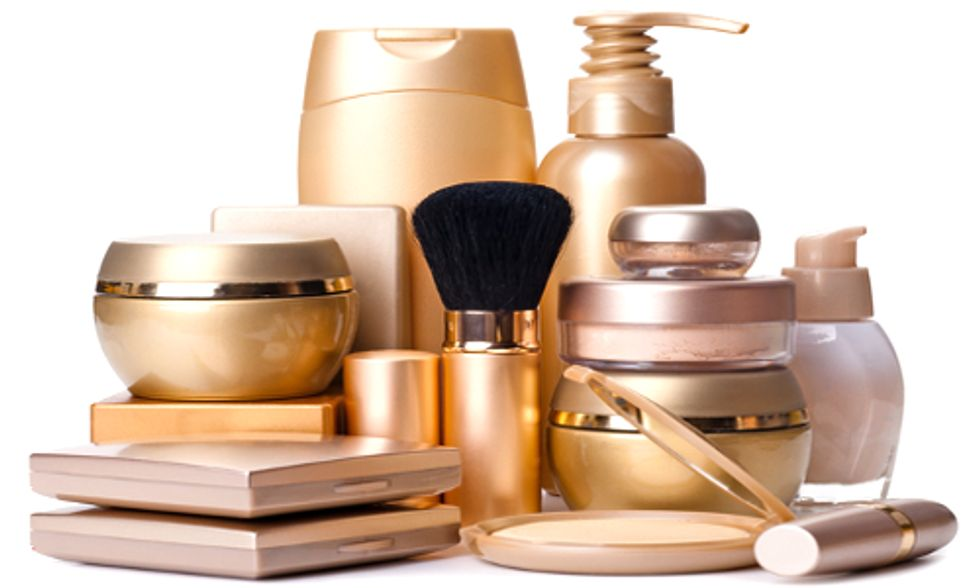 22 Cosmetics Companies File for 'Trade Secret' Status to Skirt Toxins Law