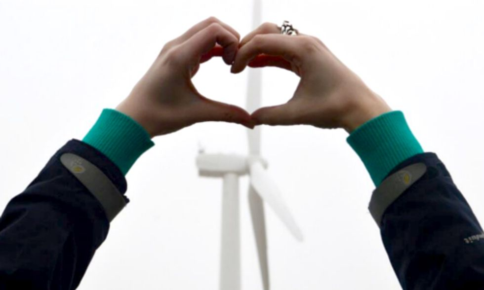 Slideshow: Tweets Show Why Advocates 'Heart' Wind Energy