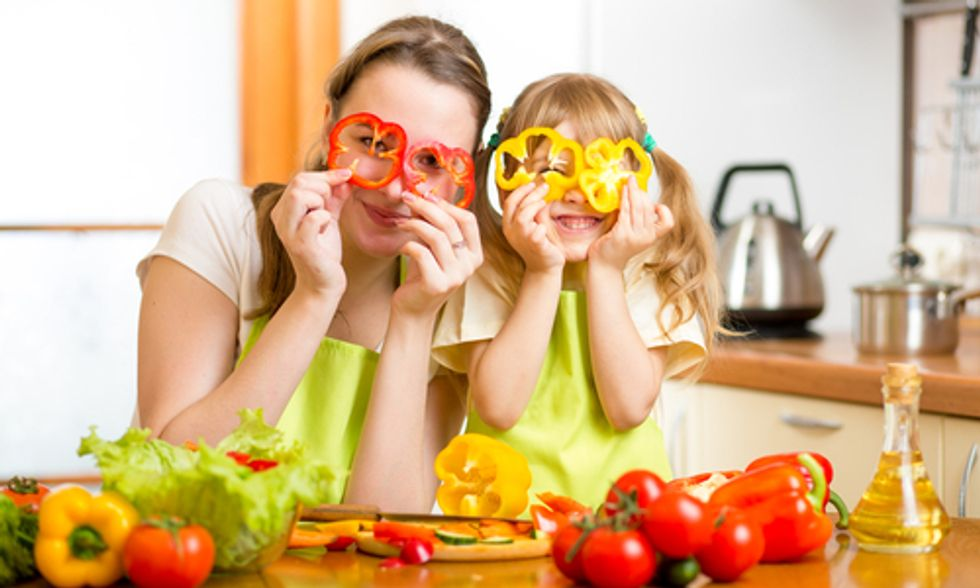 10 Steps to Healthy and Enjoyable Family Meals