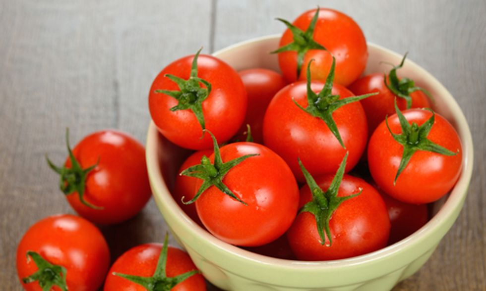8 Ways Tomatoes Are an Anti-Aging Superfood
