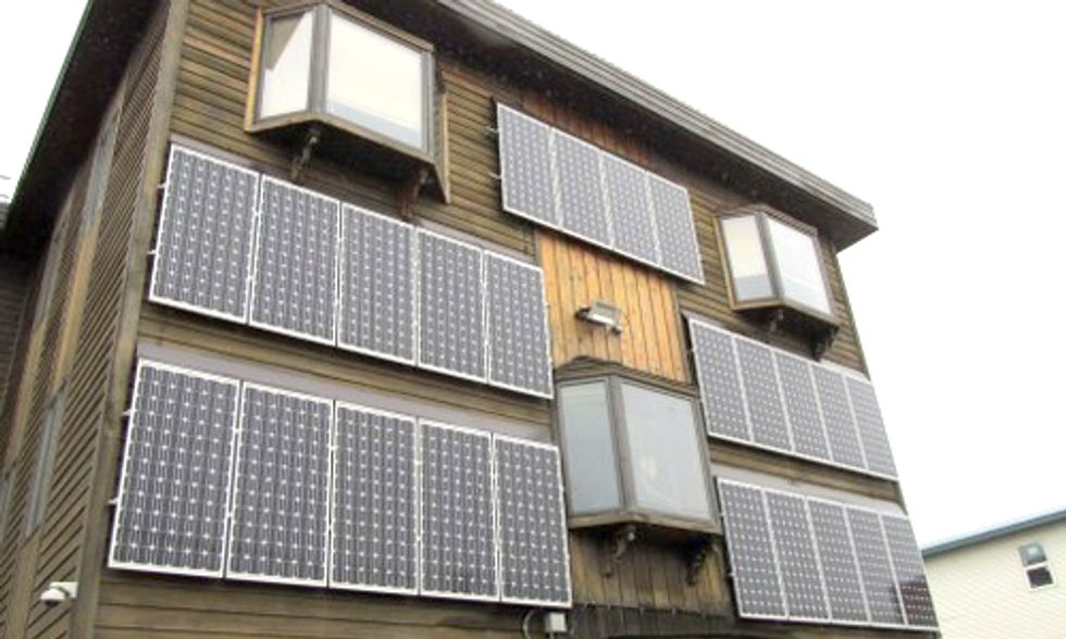 Local Government Shocks UK Couple By Requesting Removal of 'Harmful' Solar Panels