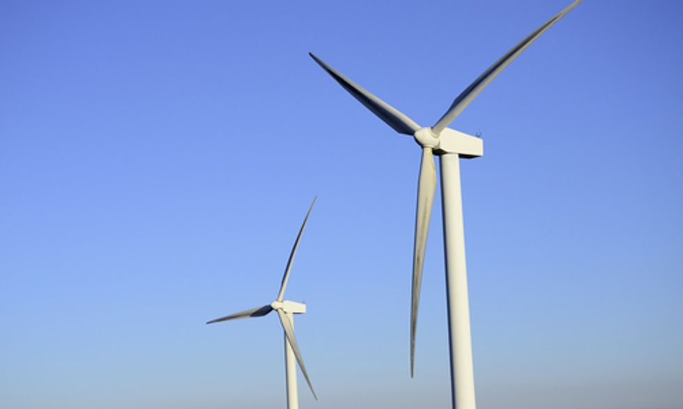World's Largest Grid Operator Reveals Why Increased Wind Energy Means Increased Savings