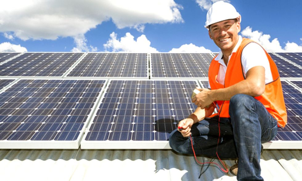 It's Official: U.S. Solar Industry Had Record-Shattering Year in 2013