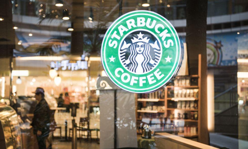 Starbucks Pressured to Switch to Non-GMO, Organic Milk