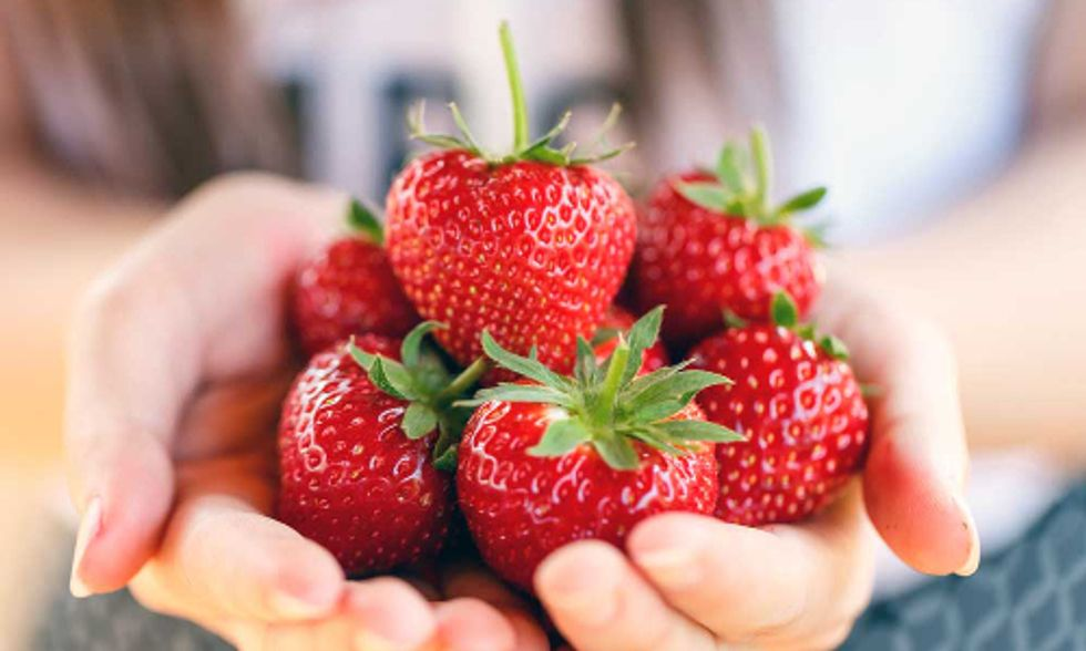5 Healthy Berries to Eat By the Handful
