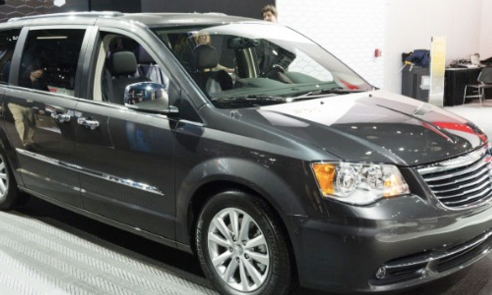 Nation's First Plug-In Hybrid Electric Minivan Coming Soon