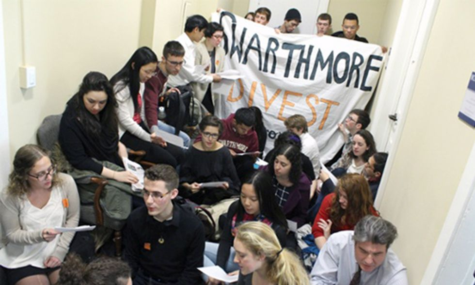Students Occupy Swarthmore College Demanding Fossil Fuel Divestment