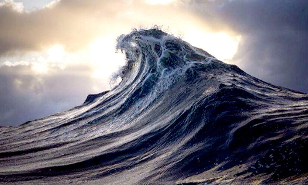 Award-Winning Photographer Captures Waves Like You've Never Seen Them