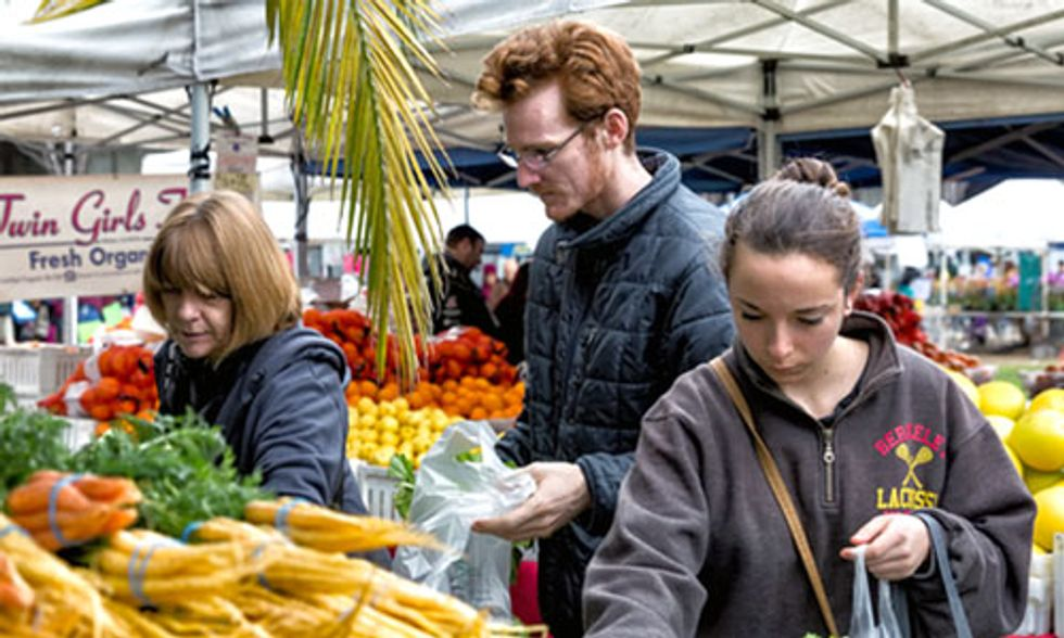 10 Reasons Why You Should Eat Local