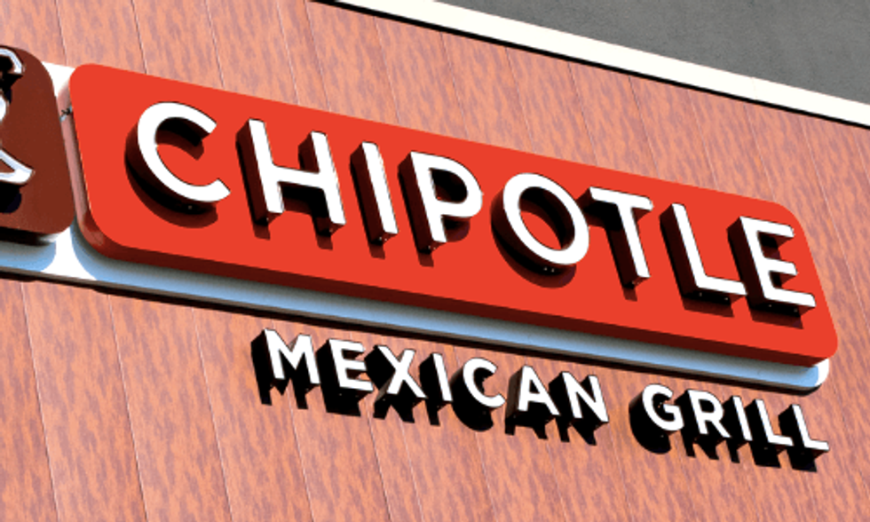 Chipotle Becomes First Fast Food Chain to Go GMO-Free